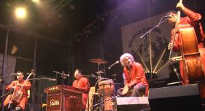 Musikgruppe Sedaa spielt auf der Burgbühne