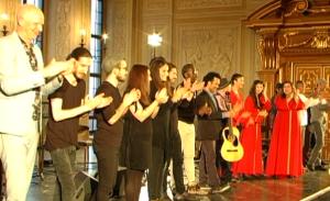 Musiker verneigen sich am Ende ihres Konzerts