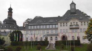 Außenansicht des Klingenthaler Rathauses